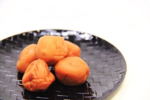 umeboshi-plum-benefits-300x2001