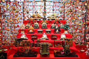 Hotel avec les poupées japonaises du Hina matsuri