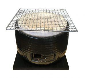 barbecue japonais noir en argile avec grille